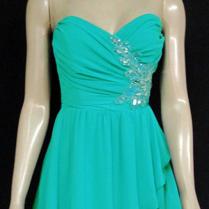 B. Darlin Graduation Drees Blue/Green 3/4